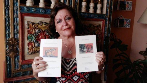 5 La poeta y traductora Noemí Vizcardo con dos libros premiados en Salamanca